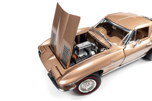 1963 Chevy Corvette Stingray Coupe, Saddle Beige/Tan - Auto World AMM1222 - 1/18 scale Diecast Model Toy Car