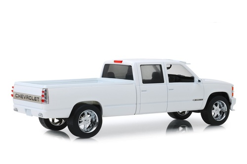 1997 Chevy Silverado 3500 Crew Cab Pickup Truck, Olympic White - Greenlight 19072 - 1/18 scale Diecast Model Toy Car
