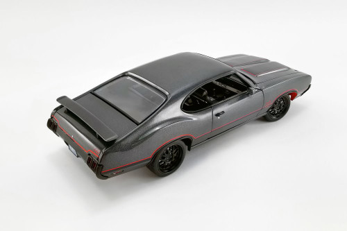 1970 Oldsmobile 442 W30 Street Fighter, Granite Gray - Acme A1805617 - 1/18 scale Diecast Model Toy Car