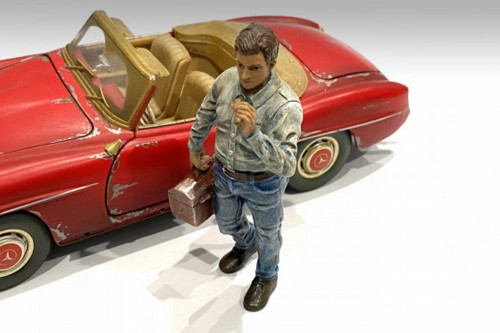 Auto Mechanic - Chainsmoker Larry, Green - American Diorama 76361 - 1/24 scale Figurine - Diorama Accessory
