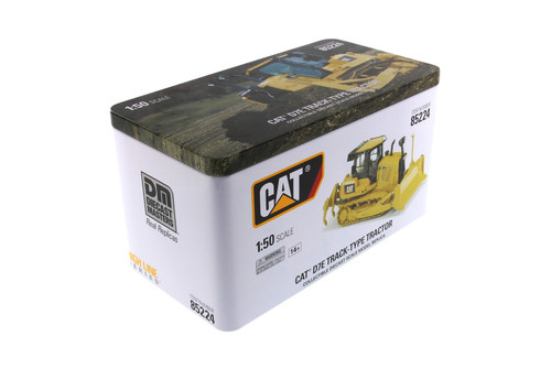 Caterpillar D7E Track-Type Tractor with Operator, Yellow - Diecast Masters 85224C - 1/50 scale Diecast Model Vehicle