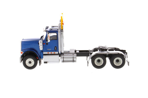 International HX520SFFATandem Tractor (Cab only), Blue - Diecast Masters 71004 - 1/50 scale Diecast Model Toy Car