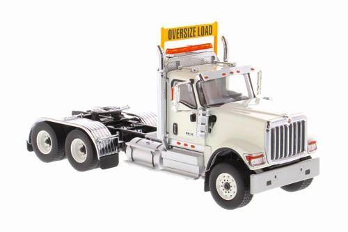 International HX520SFFATandem Tractor (Cab only), White - Diecast Masters 71001 - 1/50 scale Diecast Model Toy Car