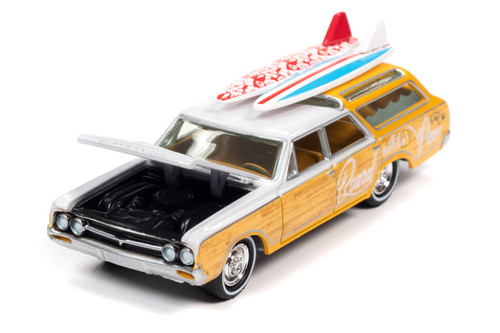1964 Oldsmobile Vista Cruiser, White and Pearl Yellow - Johnny Lightning JLSF018/48B - 1/64 scale Diecast Model Toy Car