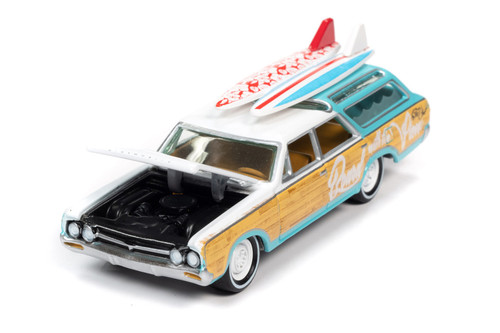 1964 Oldsmobile Vista Cruiser, White and Seafoam Green - Johnny Lightning JLSF018/48A - 1/64 scale Diecast Model Toy Car