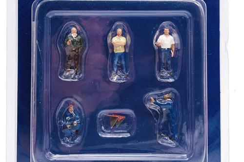 Auto Transporter Crew Figure Set, Multi- American Diorama 76464MJ - 1/64 scale Figurine - Diorama Accessory