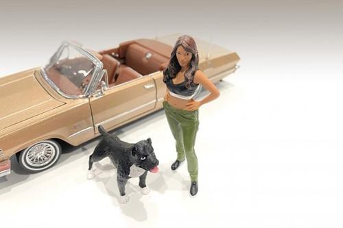 Lowriderz Figure IV, Black and Green - American Diorama 76376 - 1/24 scale Figurine - Diorama Accessory
