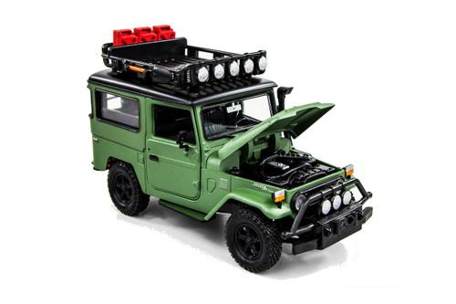 1974 Toyota FJ40 Land Cruiser, Matte Green - Motor Max 79137GN - 1/24 scale Diecast Model Toy Car