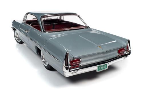 1961 Pontiac Catalina Hardtop, Richmond Gray - Auto World AMM1254 - 1/18 scale Diecast Model Toy Car