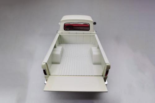 1965 Ford F-100 Custom Cab Pickup, White - Sun Star 1302 - 1/18 scale Diecast Model Toy Car