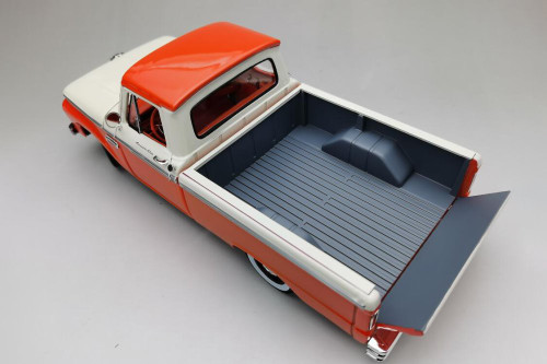 1965 Ford F-100 Custom Cab Pickup, Orange and Cream - Sun Star 1301 - 1/18 scale Diecast Model Toy Car