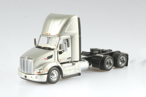 Peterbilt 579 UltraLoft Day Cab SBFA Truck Tractor with Skeleton Trailer and MAERSK Sea Container, Silver and White - Diecast Masters 71069 - 1/50 scale Diecast Model Toy Car