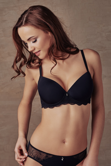 Seamless Padded Underwired Bra With Lacy Band By Cybele 7-170015