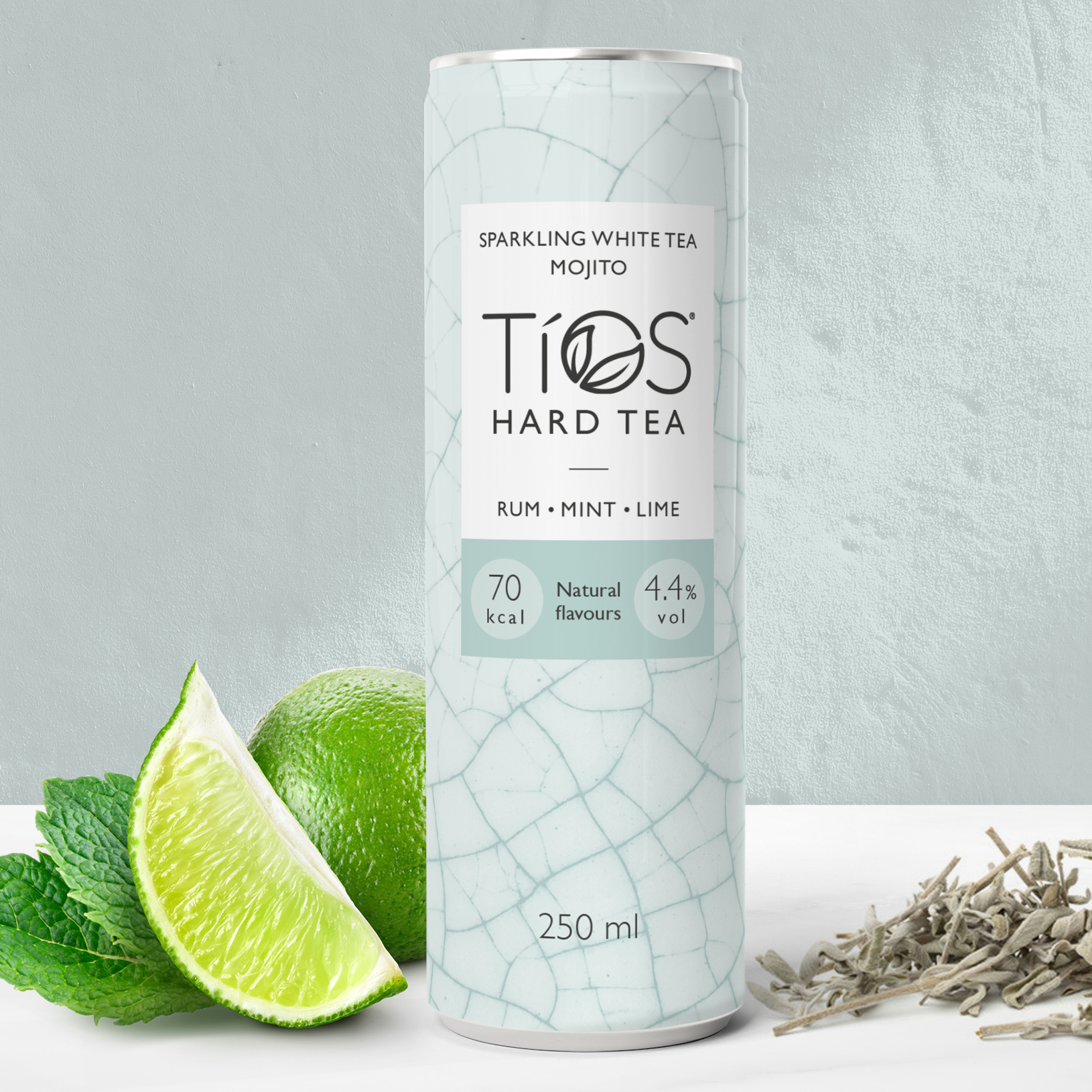 Tios White Tea Mojito can with ingredients