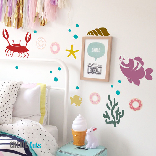Sea Life stencil on kid's room wall