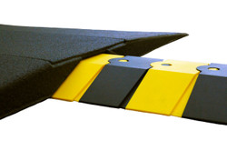 Ultra-Sidewinder Ramp for Large Sidewinder Cable Protectors