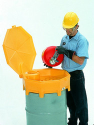 Ultratech Global Funnel With Hinged Cover and Spout - 0499
