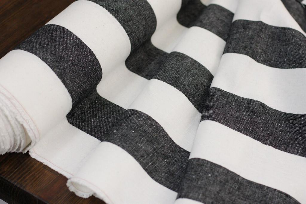 Black & White Linen Remnant