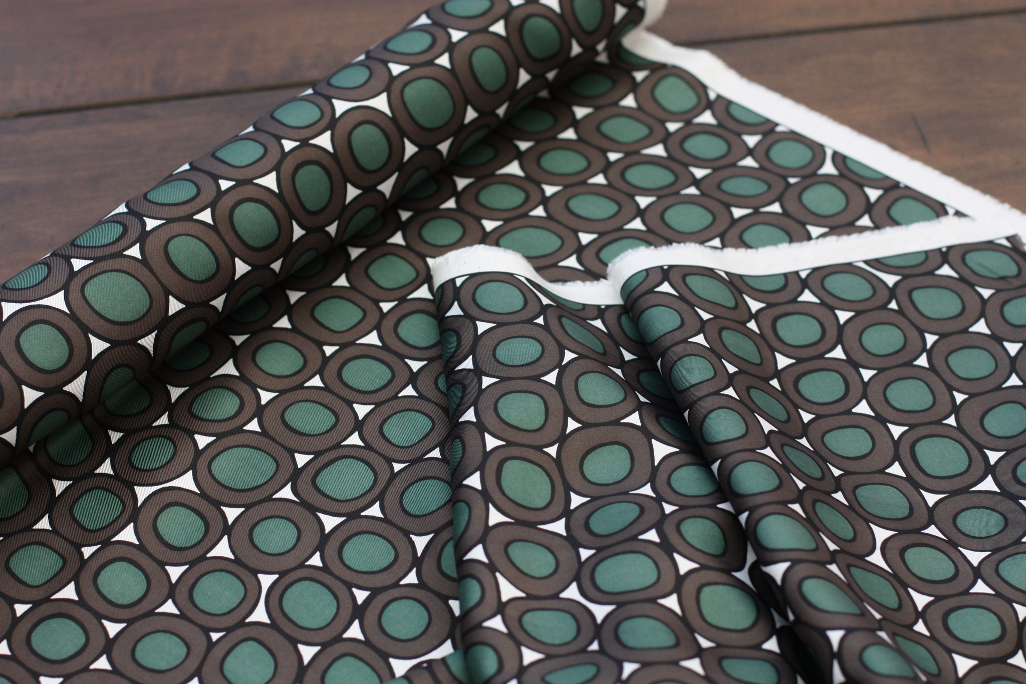 Emerald Loop Silk