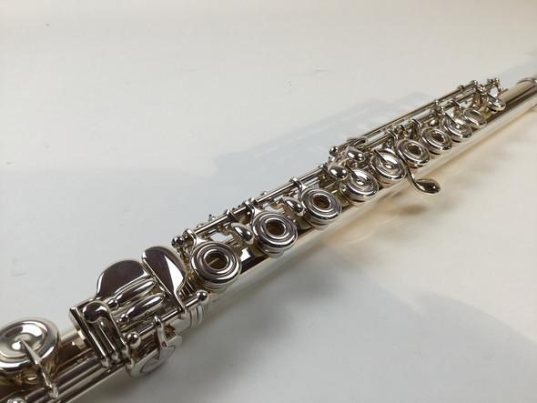 Demo Yamaha Professional Flute, YFL-687 C# Trill Key (SN: 064052)