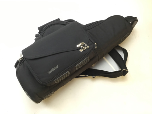 Used Soundwear Performer Alto Sax case- Black