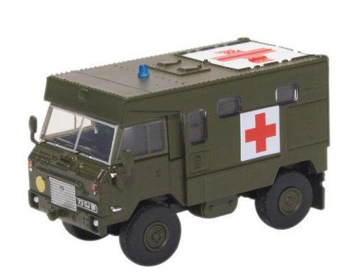 76LRFCA002 OO LAND ROVER FC AMBULANCE NATO GREEN