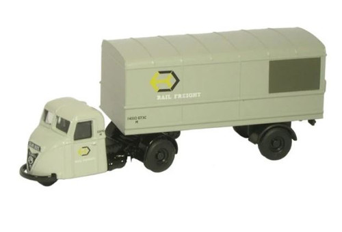 76RAB003 OO RAILFREIGHT SCARAB/TRAILER