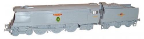 C048 OO BATTLE OF BRITAIN CLASS BIGGIN HILL PLASTIC KIT