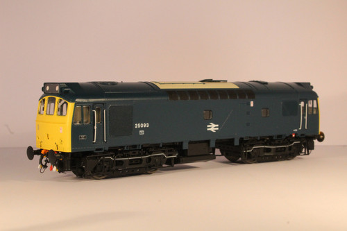 2537 OO  25093 CLASS  25/3 LMR/SCR BR BLUE FULL YELLOW CENTRAL DOUBLE ARROWS
