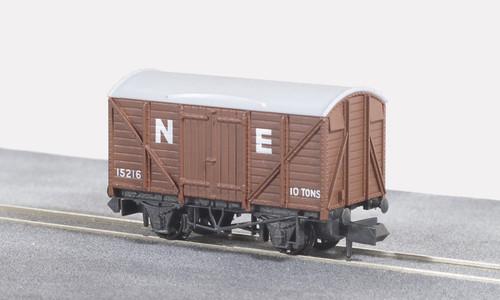 NR-43E N BOX VAN LNER BROWN