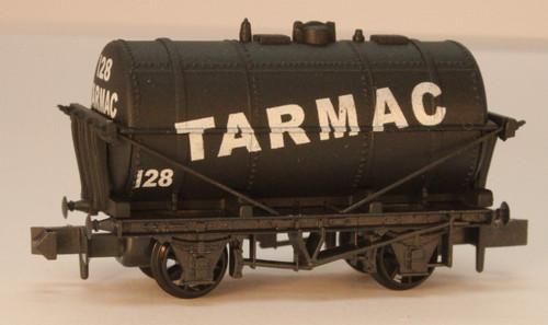 NR-P182 N 128 10FT TANK WAGON TARMAC