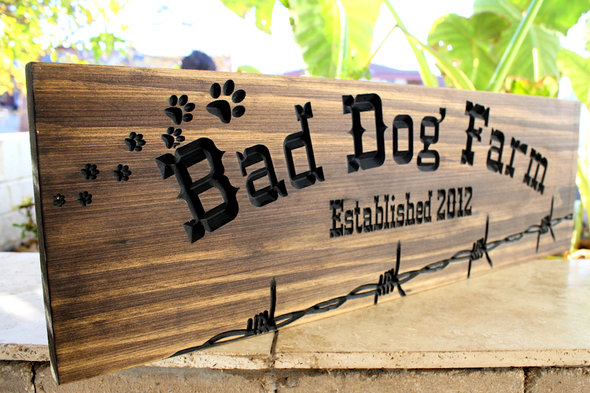 Dog Farm  Sign
