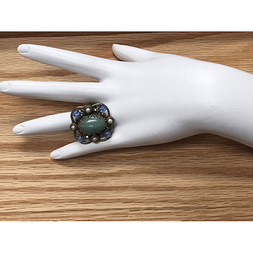 Jadeite and Blue Star Sapphire Ring