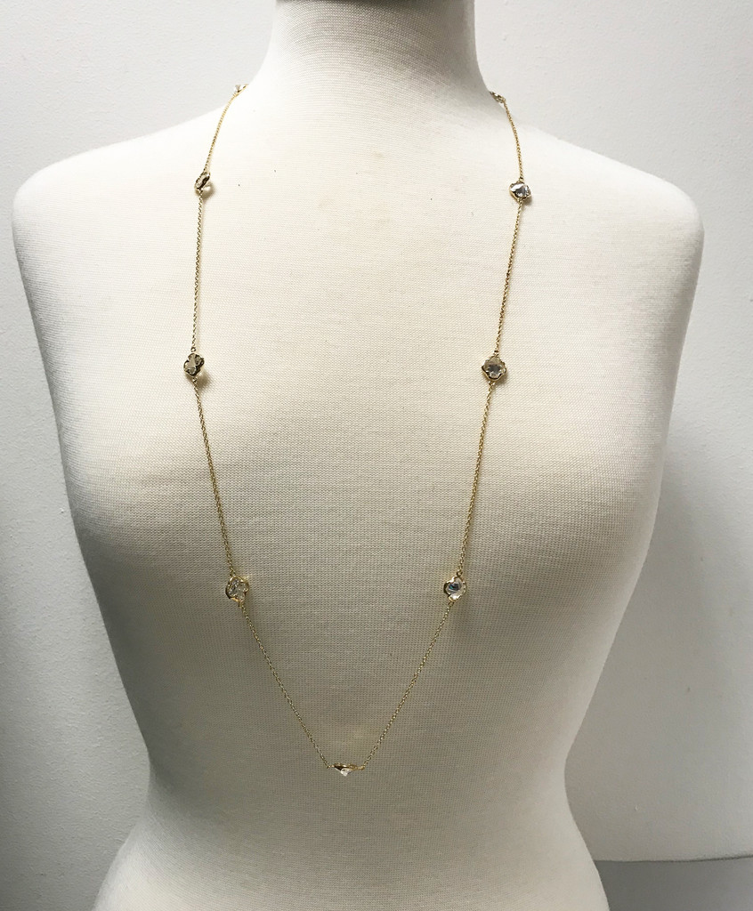 "Clover Shaped Crystal 36"" Chain"