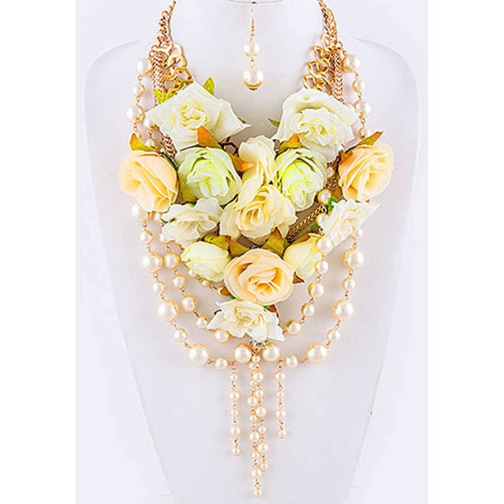 Ivory and Peach Victoria Necklace Bouquet