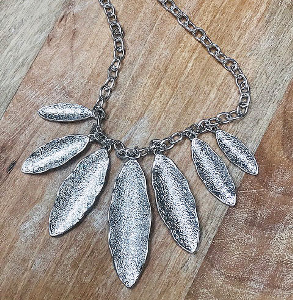 Sculpted Feather Necklace Silver