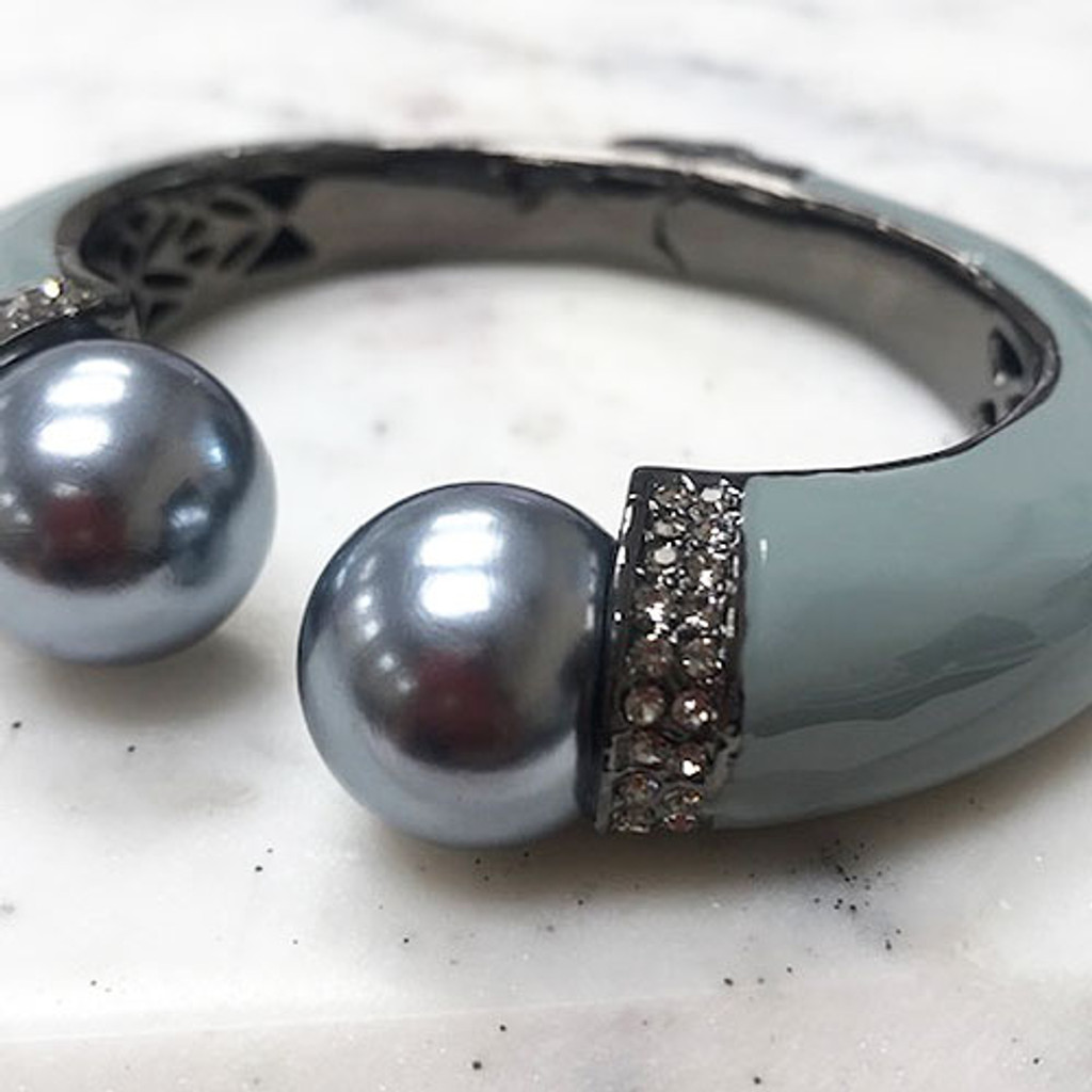 Large Hematite and Gray Pearl Bangle