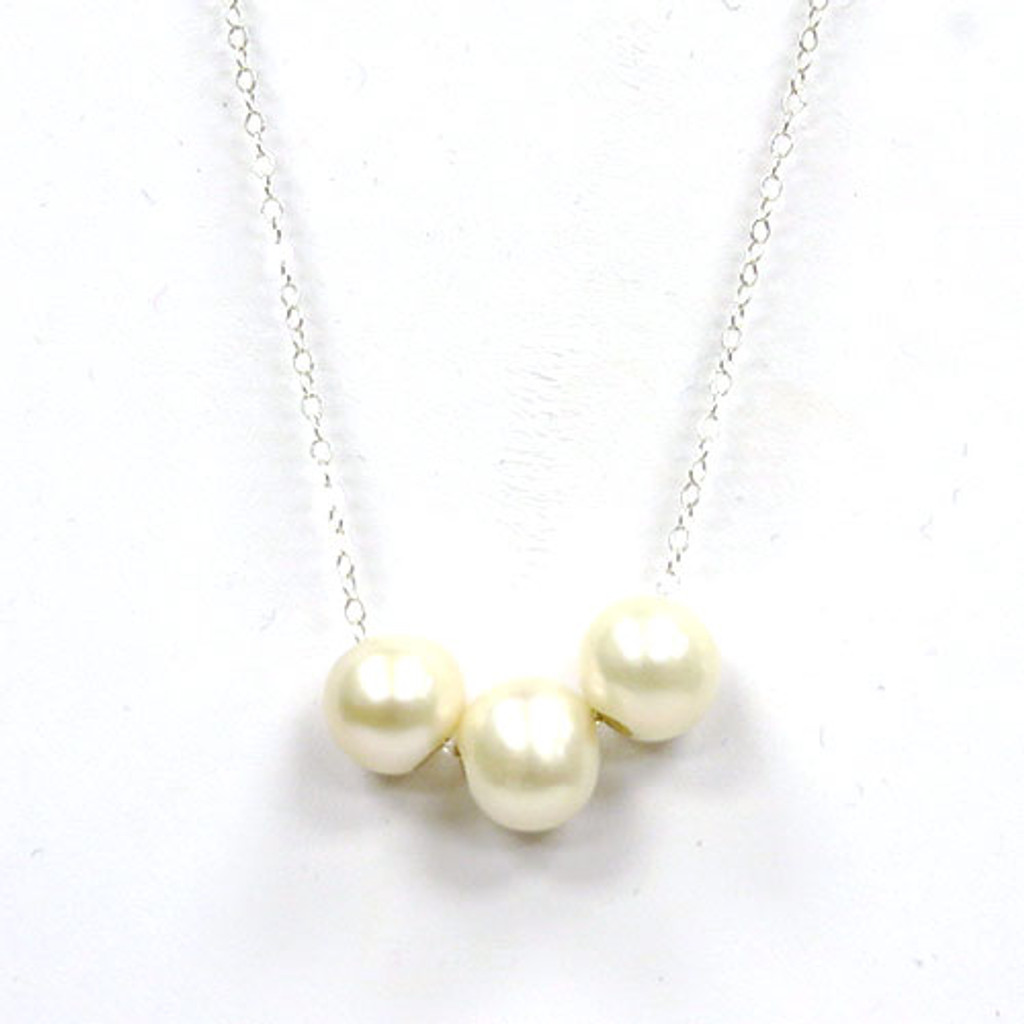 Three Suspended Pearl Necklace
