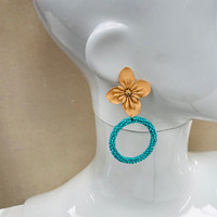 Kyky&Zo's Golden Flower with Beaded Hoop Earring