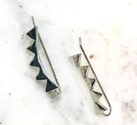 Polished Pyramid Spiked Ear Crawlers