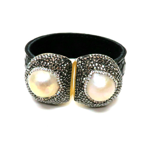 Fresh Water Moby Pearl Cuff Black