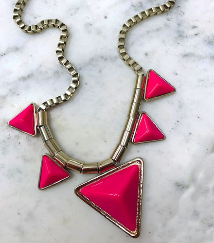 Points and Box Chain Necklace Hot Pink