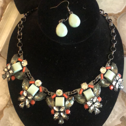 Mint and Coral in Gunmetal Necklace