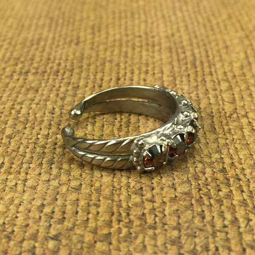 Sorrelli's Burgandy Champagne Crystal Band Ring
