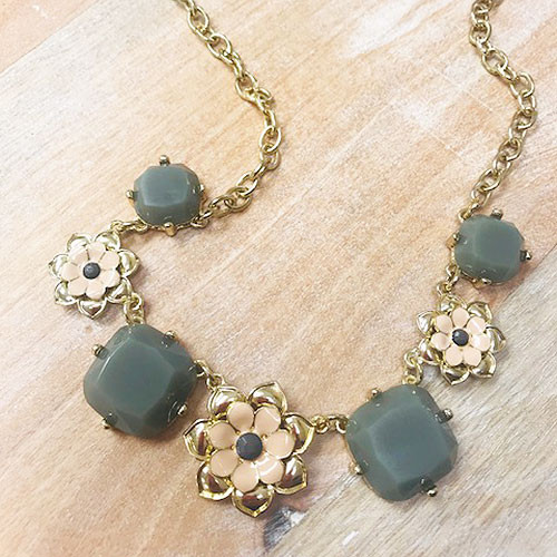 Darcy's Flower Necklace