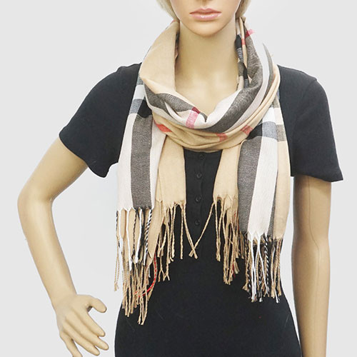 Familiar Plaid Pattern Oblong Lightweight Scarves