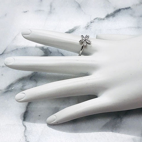 Sterling Silver Cubic Zirconia Daisy Flower Ring
