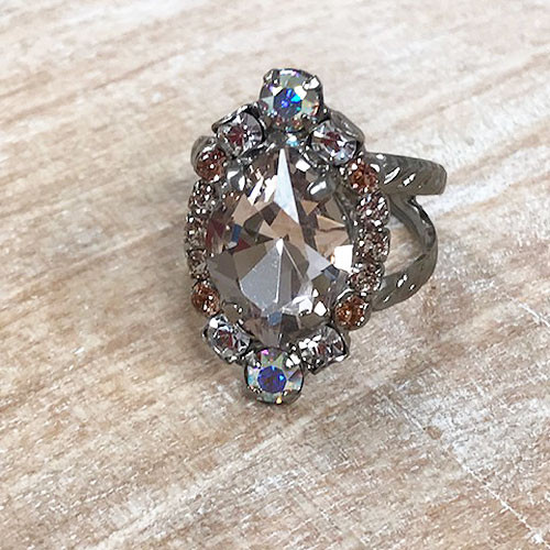 Sorrelli Light Pink and AB Crystal Ring
