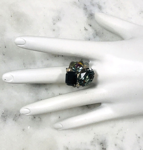 Sorrelli Erinite & Jet Crystal Cluster Ring