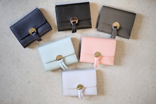 Simple Disc Wallets